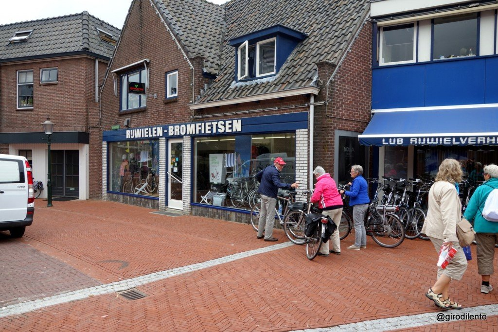 An example of the typical Dutch bike shop customer