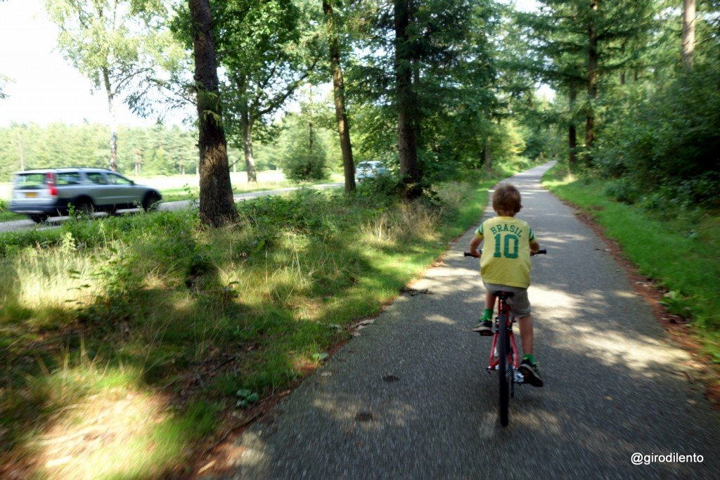 Miles and miles of paths through the countryside completely segregated from traffic!